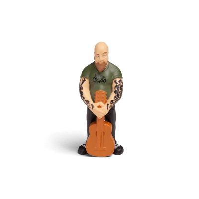 Musik-Hörfigur für die Toniebox . Cooler Rocker hält eine vor sich  stehende Gitarre in Händen.